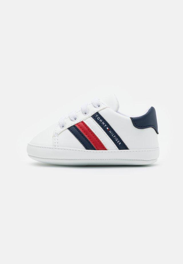 Babyskor - white/blue