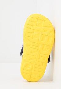 Tommy Hilfiger - Sandales de bain - yellow - 5