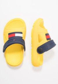 Tommy Hilfiger - Sandales de bain - yellow - 0