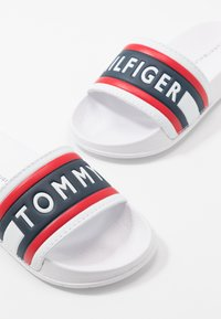 Tommy Hilfiger - Pantofle - white/red/blue - 6