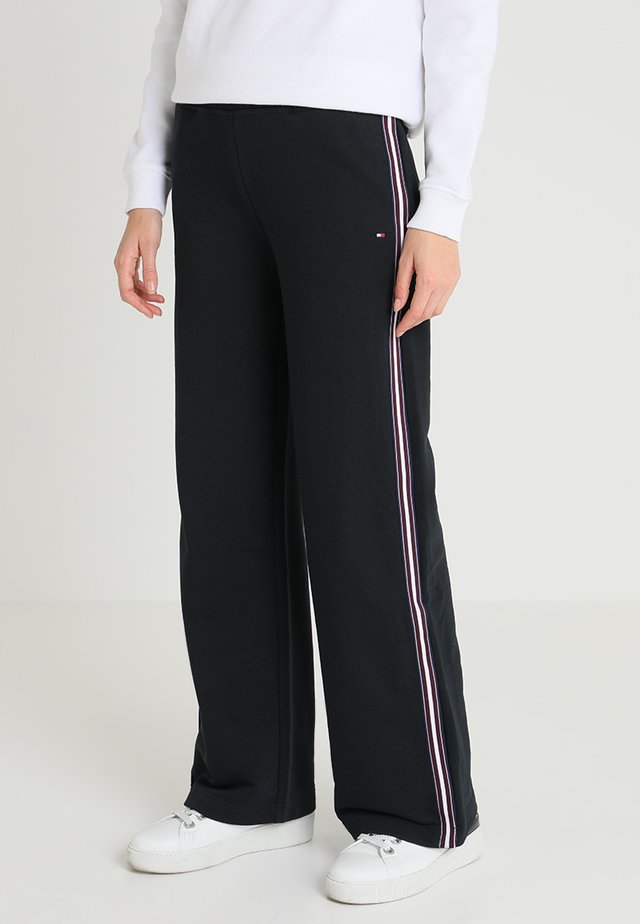 HALINA PANT - Tracksuit bottoms - black