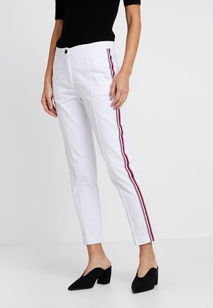 ESSENTIAL  - Jeans slim fit - white