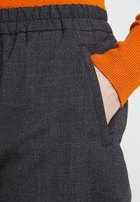 Tommy Hilfiger - ESSENTIAL PULL ON PANT - Pantalon classique - grey - 3