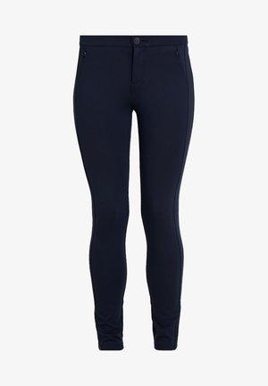 HERITAGE FIT PANTS - Kalhoty - midnight