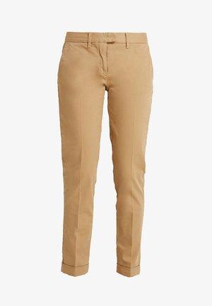 HERITAGE - Chino kalhoty - classic camel