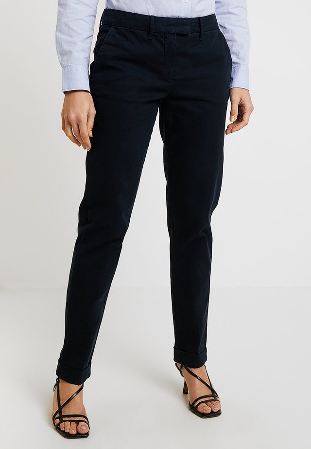 HERITAGE - Pantalones chinos - midnight