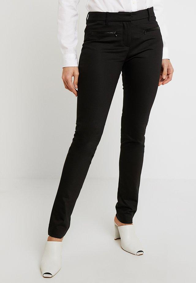 HERITAGE SLIM FIT PANTS - Spodnie materiałowe - masters black