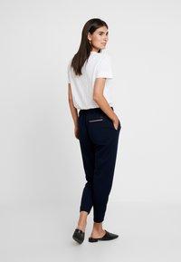 Tommy Hilfiger - ROSHA PULL ON CROPPED PANT - Teplákové kalhoty - blue - 3