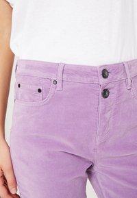 Tommy Hilfiger - TRISHA PANT - Spodnie materiałowe - dusty lilac - 3