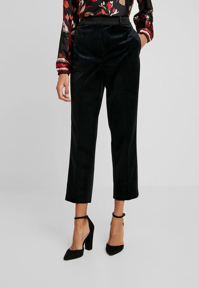 TERESA PANT - Spodnie materiałowe - black