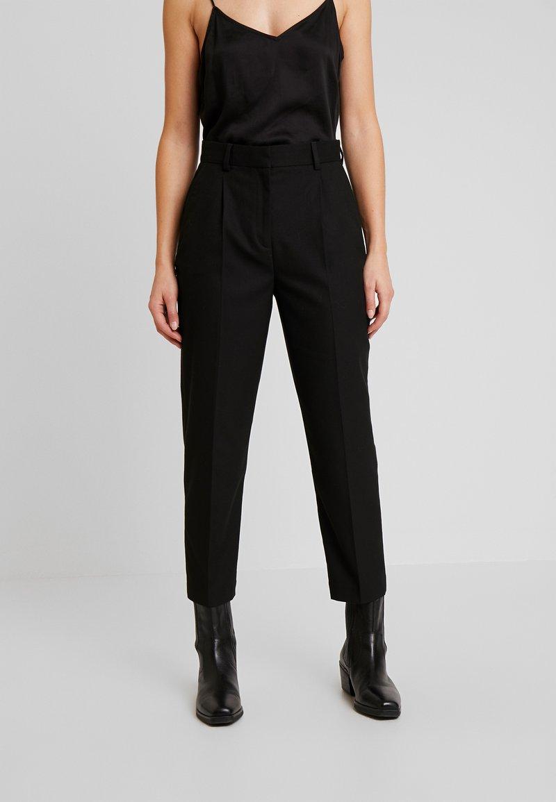 Tommy Hilfiger - ESSENTIAL FLANNEL PANT - Pantalon classique - black