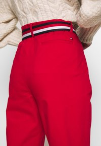 Tommy Hilfiger - SLIM FIT CHINO - Chinos - primary red - 3