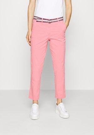 SLIM PANT - Spodnie materiałowe - pink grapefruit