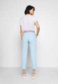 Tommy Hilfiger - SLIM PANT - Spodnie materiałowe - sail blue - 2