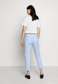 Tommy Hilfiger - STRETCH STRIPED SLIM PANT - Bukse - blue/white - 2