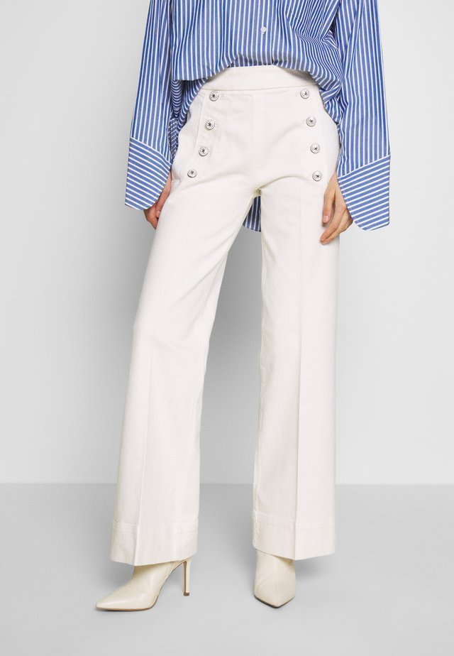 ICON TAILORED JILL - Flared Jeans - off white