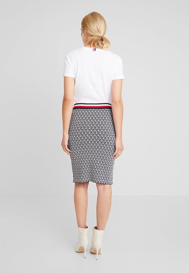 CERRA - Pencil skirt - cube black
