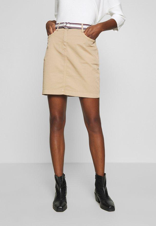 SLIM SKIRT - Falda de tubo - beige