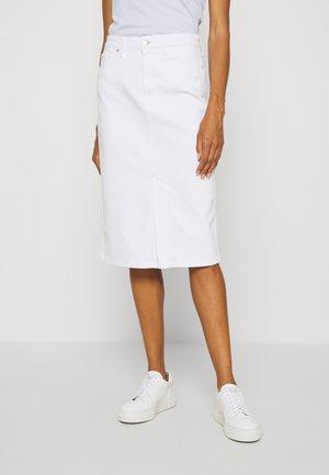 PENCIL SKIRT - Pouzdrová sukně - white