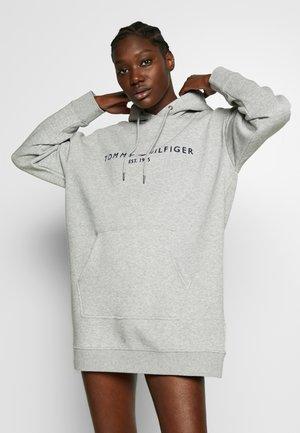 HOODED DRESS - Denní šaty - light grey heather