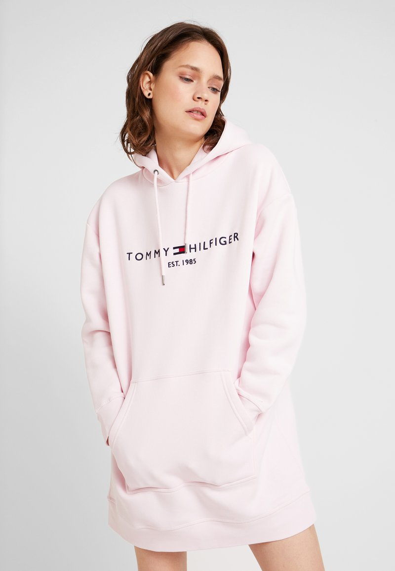 Tommy Hilfiger - HOODED DRESS - Freizeitkleid - light pink