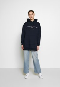 Tommy Hilfiger - HOODED DRESS - Sukienka letnia - sky captain - 1