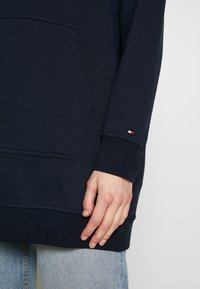 Tommy Hilfiger - HOODED DRESS - Sukienka letnia - sky captain - 5