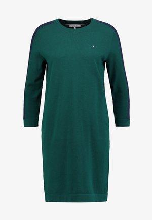 HILLORY BOAT DRESS - Robe pull - green