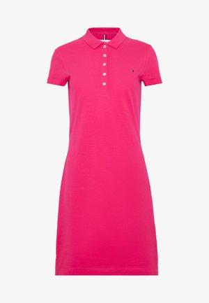 SLIM POLO DRESS - Sukienka letnia - bright jewel