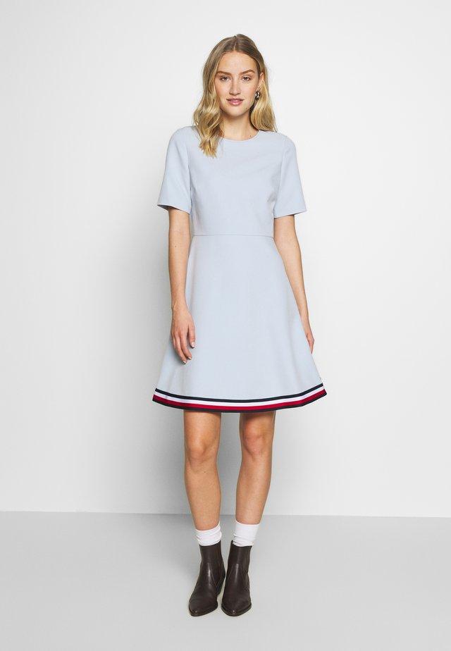 ANGELA DRESS  - Jerseyjurk - breezy blue