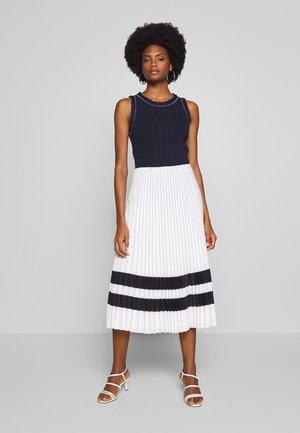 MADELEINE DRESS - Sukienka letnia - desert sky