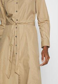 Tommy Hilfiger - LEA DRESS  - Košilové šaty - beige - 5