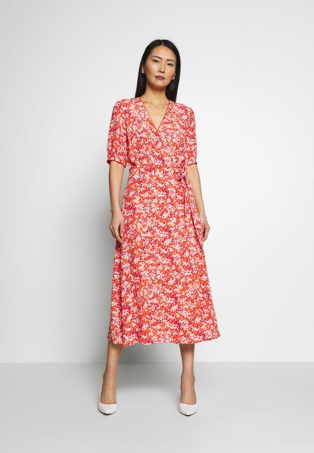 LEONORA WRAP DRESS - Korte jurk - red