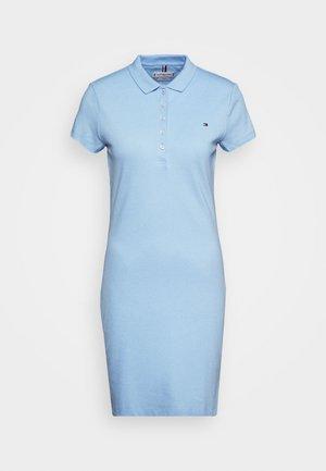 SLIM POLO DRESS - Sukienka letnia - light iris blue