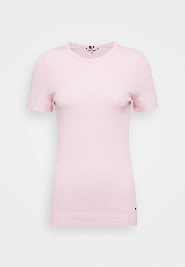 ESSENTIAL SKINNY TEE - Jednoduché triko - pastel pink