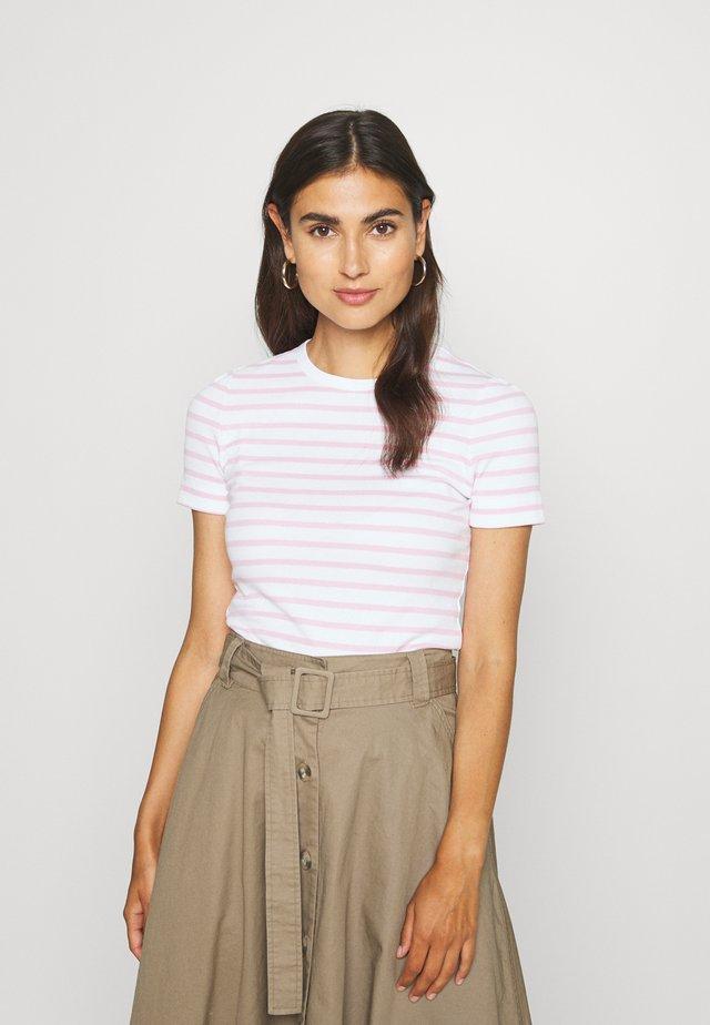 ESSENTIAL SKINNY TEE - Camiseta estampada - white/pastel pink