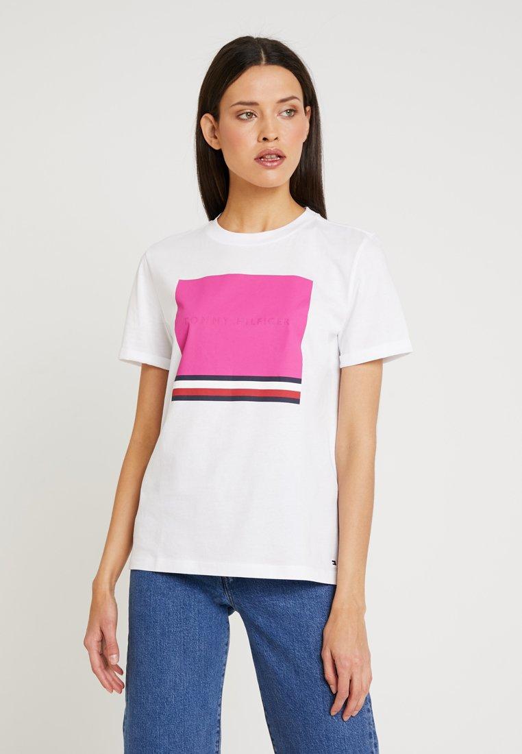 Tommy Hilfiger - BROOKE TEE  - T-Shirt print - white
