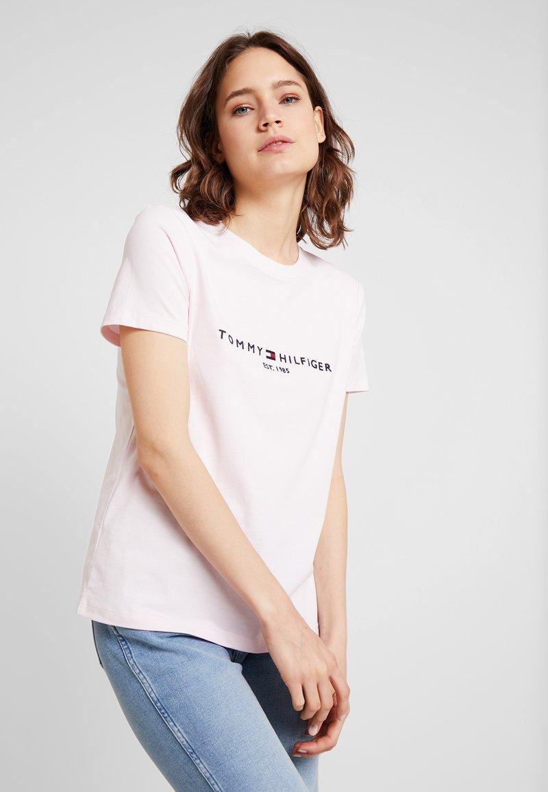 Tommy Hilfiger - TEE - T-shirt imprimé - light pink