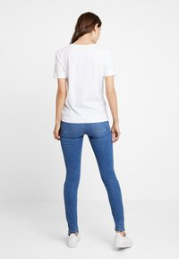 Tommy Hilfiger - NEW LUCY - T-shirt basique - white - 2