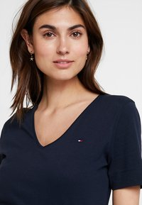 Tommy Hilfiger - NEW LUCY - T-paita - blue - 3