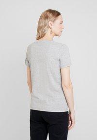 Tommy Hilfiger - NEW TEE  - Print T-shirt - light grey heather - 2