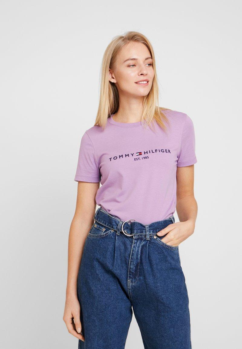 Tommy Hilfiger - NEW TEE  - Print T-shirt - dusty lilac