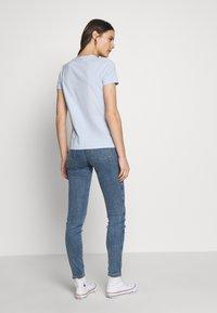Tommy Hilfiger - NEW TEE  - Print T-shirt - breezy blue - 2