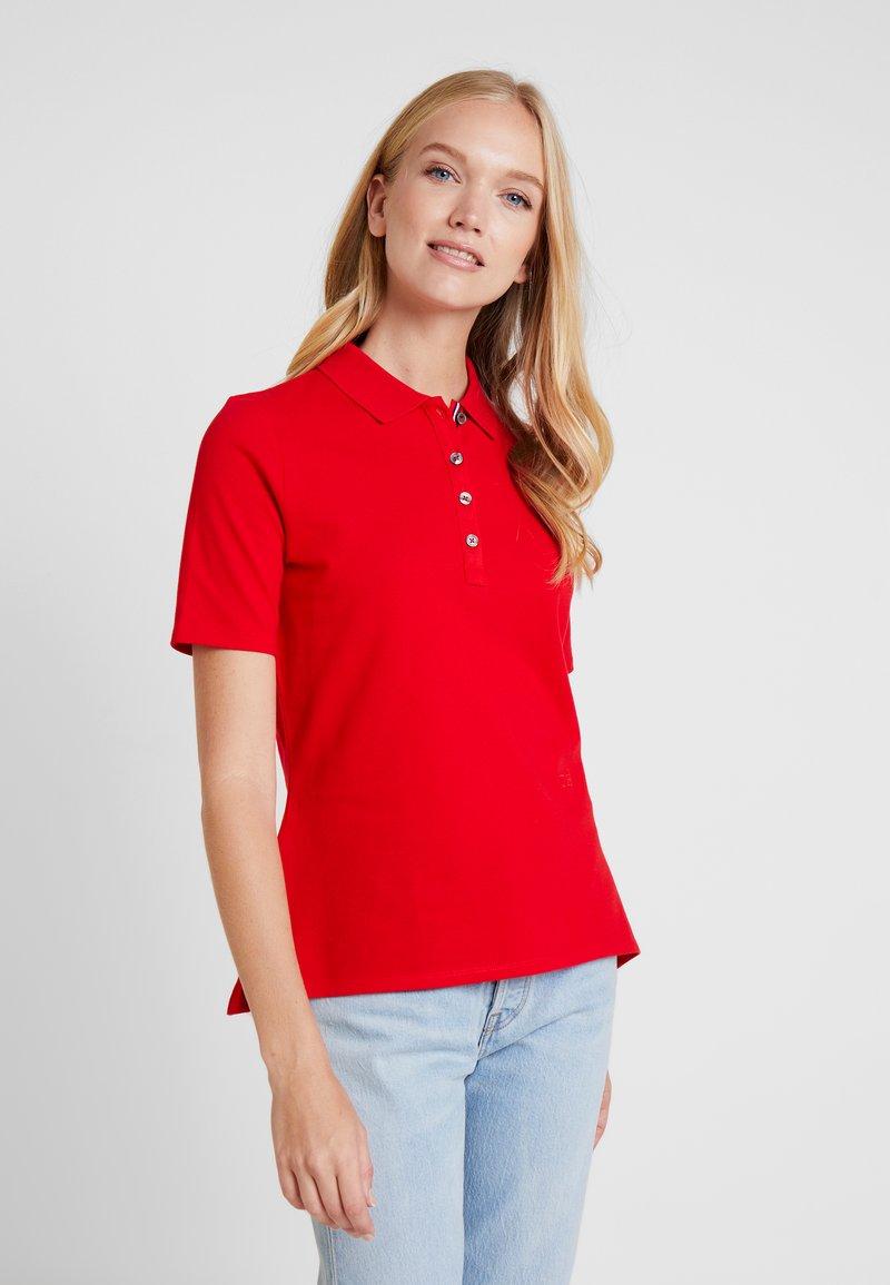 Tommy Hilfiger - ESSENTIAL  - Poloskjorter - true red