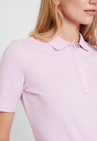 Tommy Hilfiger - ESSENTIAL  - Poloskjorter - pink lavender - 5