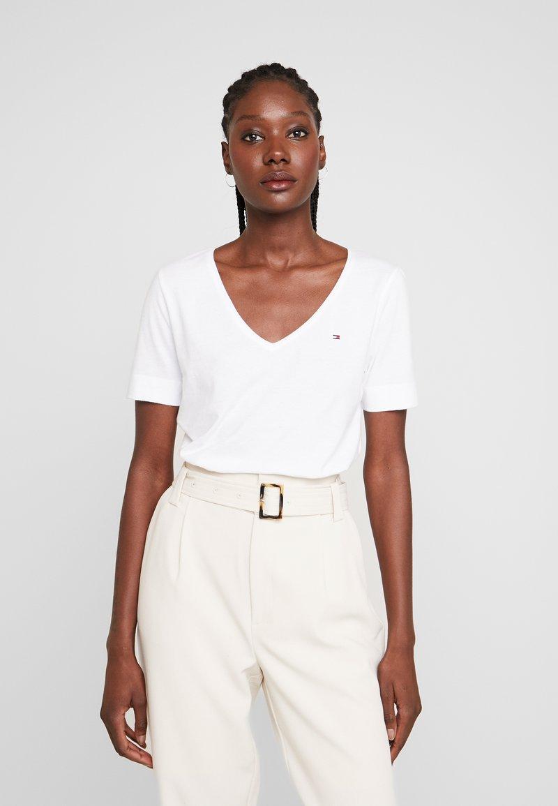 Tommy Hilfiger - CLASSIC  - T-shirt - bas - white