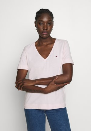 CLASSIC  - Basic T-shirt - pale pink