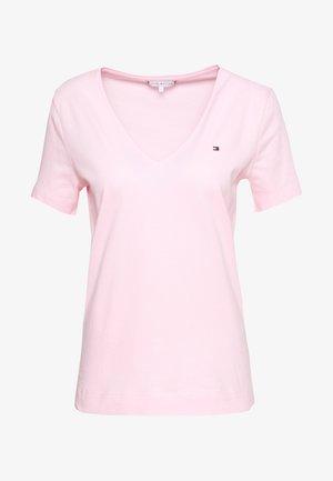 CLASSIC  - Basic T-shirt - pastel pink
