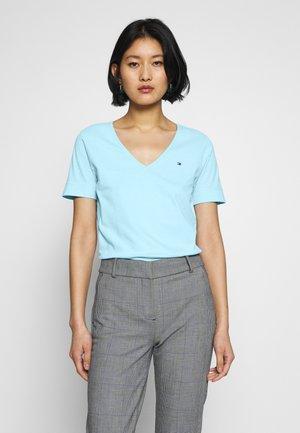 CLASSIC  - T-shirt basic - sail blue