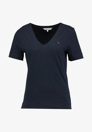 CLASSIC  - T-shirt - bas - desert sky